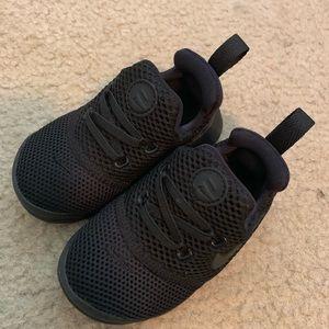 Toddler Black Nikes